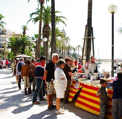 Sitges Life - April - Holidays Apartments